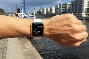 佩戴Apple Watch能跑完马拉松全程吗 300x200 - 佩戴Apple Watch能跑完马拉松全程吗