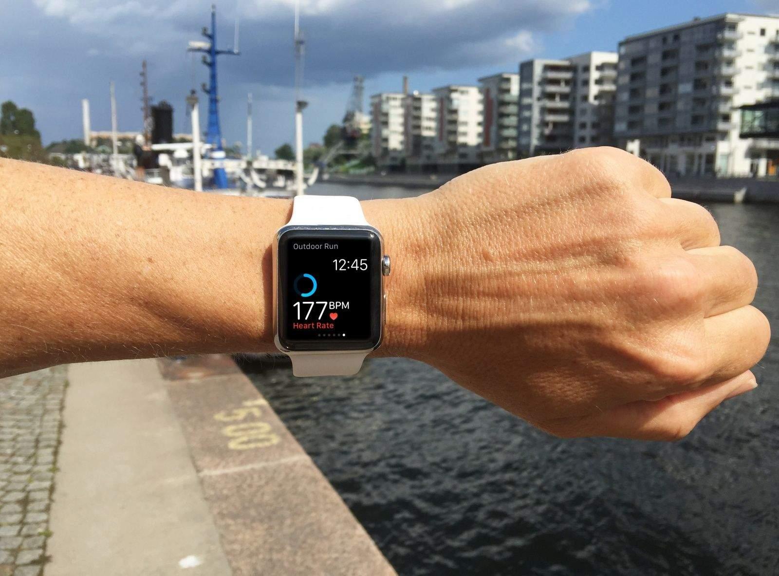 佩戴Apple Watch能跑完马拉松全程吗 - Apple Watch如何监测心率