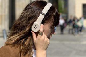 Beats solo3 wireless noise 300x200 - Beats solo3 wireless 出现滋滋滋、啪嗒声、爆裂声噪音或一侧没有声音怎么办