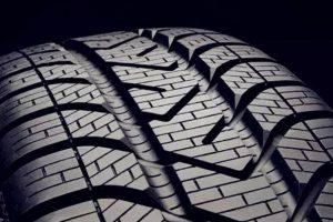 轮胎 300x200 - 为什么车的右前轮胎磨损最严重